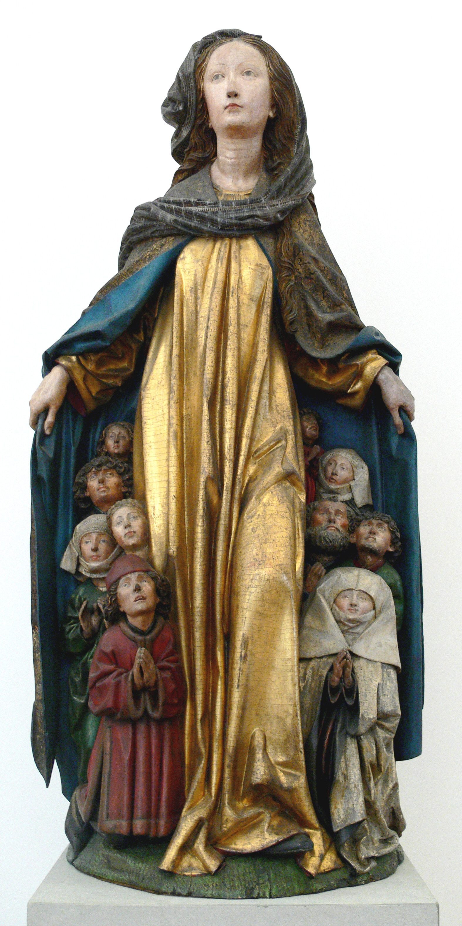 "German sculpture, ""Mary with Her Protective Mantel"" - Photo by Andreas Praefcke"